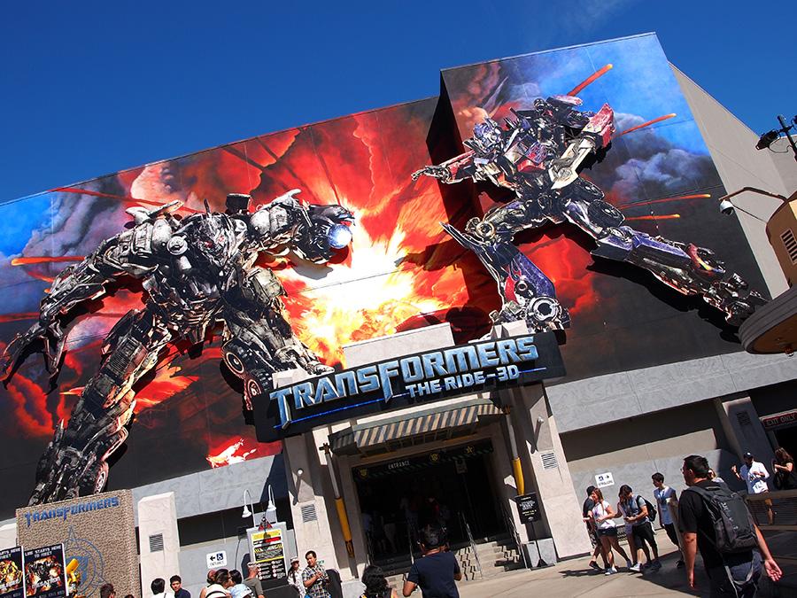 entrée de l'attraction transformers the ride 3d