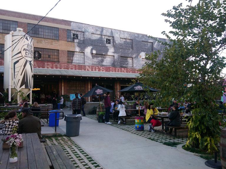 la terrasse d'Angel City Brewery