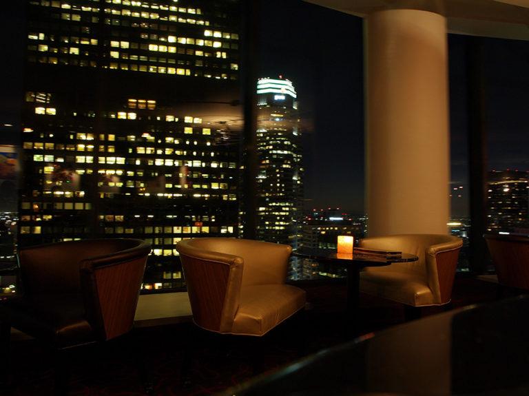 Le bar panoramique du Westin Bonaventure Hôtel
