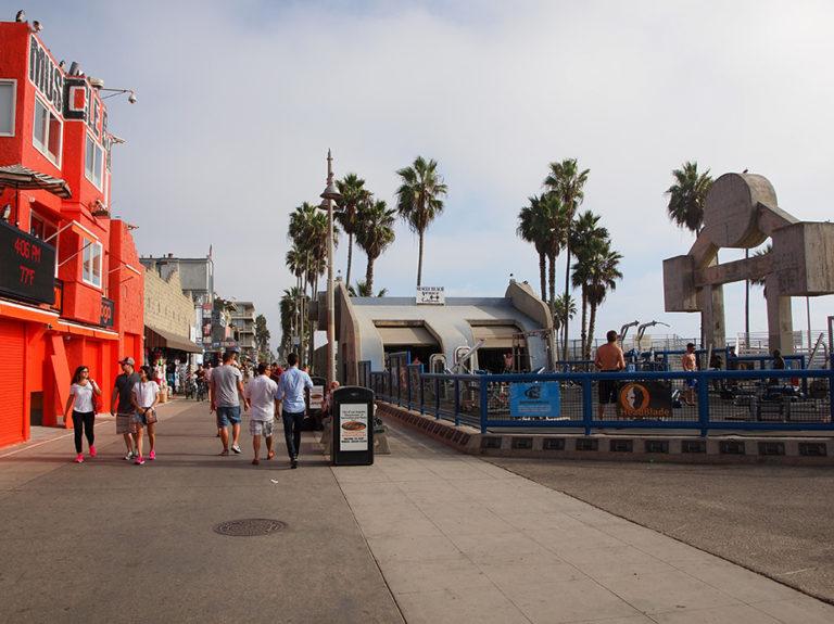 Muscle beach sur la promenade de Venice
