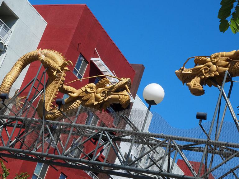 twin dragon gateway à Chinatown Los Angeles