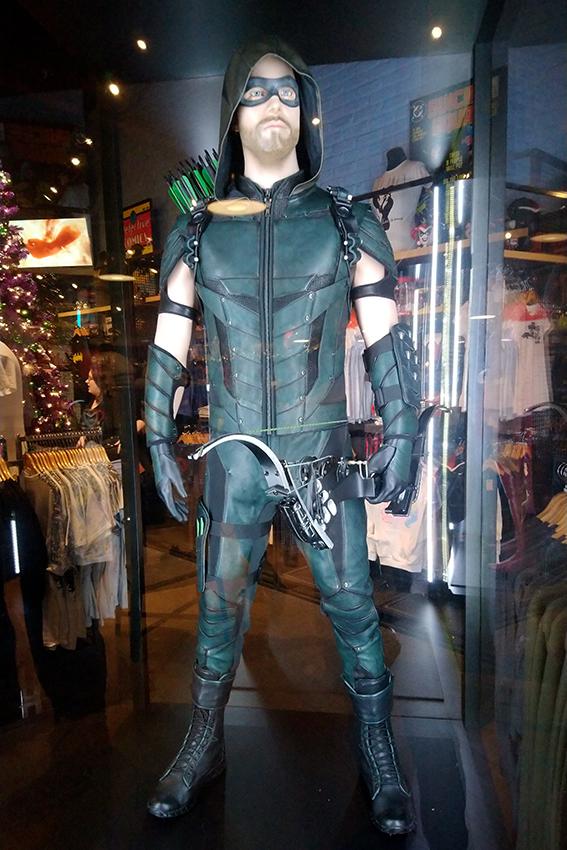 le costume porté par Stephen Amell dans la série Arrow